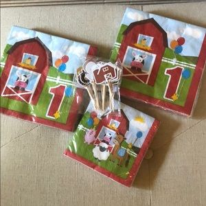 1 Year old adorable barnyard 🐄 party supplies